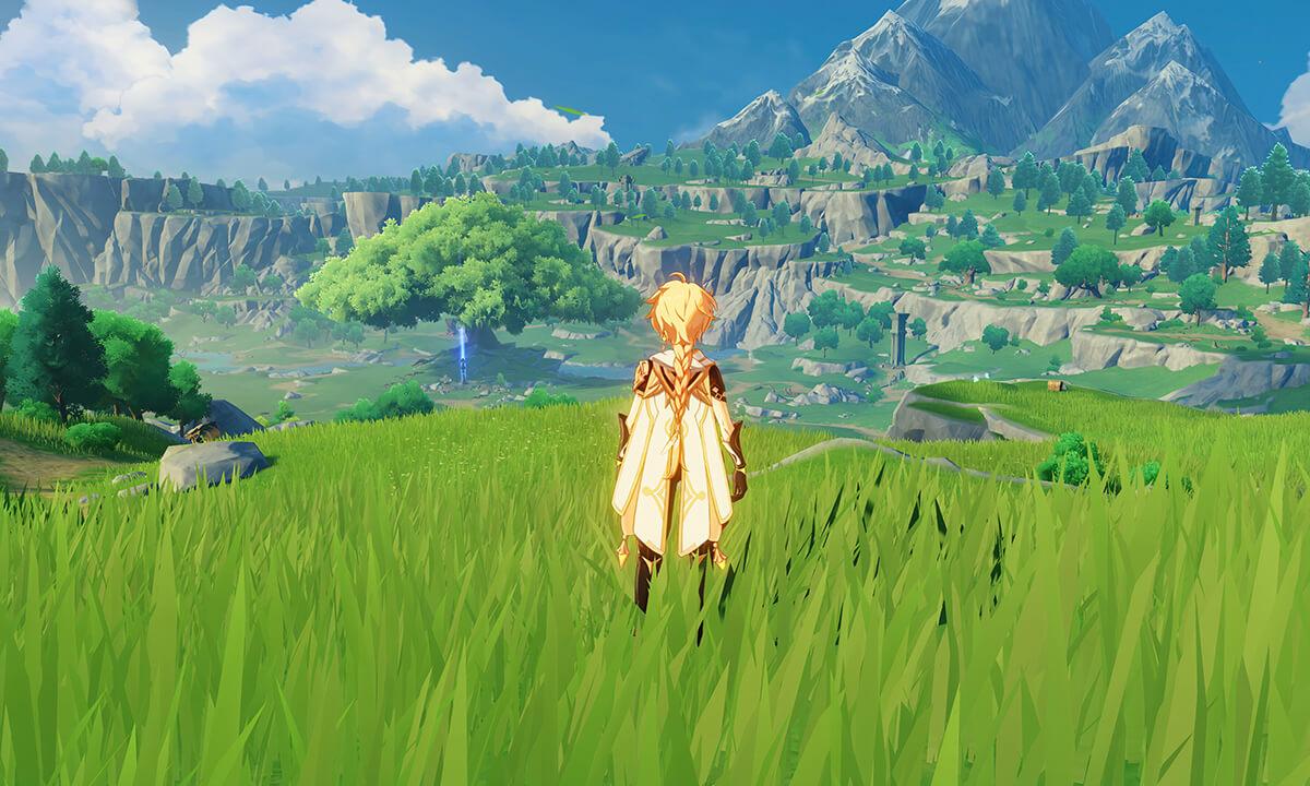 Genshin Impact: Spieler schaut auf eine Berglandschaft